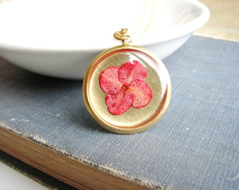 Pink Pressed Flower Necklace Botanical Jewelry Pressed Hawaiian Star Plant Resin Woodland Gardener Chic Naturalist Gift Minimalist
