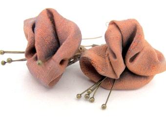 Alternative summer wedding earrings, summer wedding bridesmaid's earrings, unique shades flower earrings, summer wedding jewelry