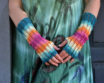It makes me very Hippie - crocheted openwork lacy multicolored Mittens Fingerless Gloves Wrist Warmers