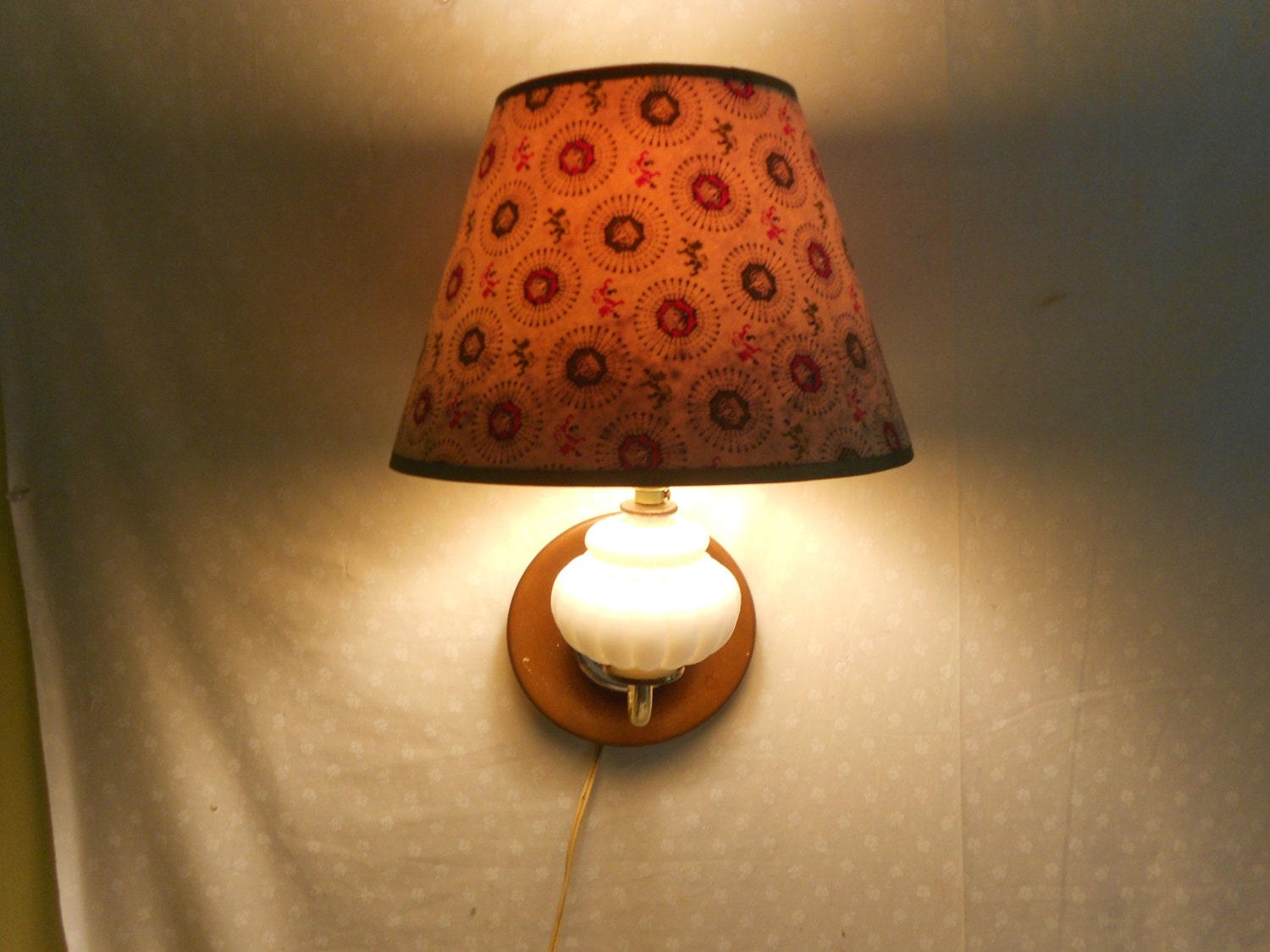 Wall Lamp Milk Glass and Wood