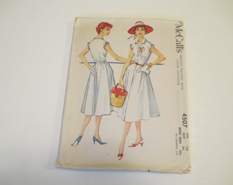 Vintage Dress Pattern, 1958, Includes Transfer, Size 16