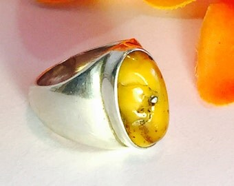 Beautiful Modern Mid Century Butterscotch Amber Sterling Silver Vintage Ring