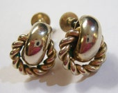 vintage small light gold tone screw on or screw back earrings 14IN