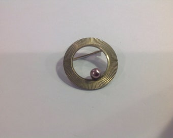 Vintage Mid Century Modern Gold-tone Circle Pin with Faux Pearl FREE Shipping US only