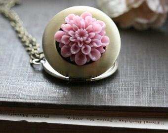 Gold locket necklace, flower locket, Round locket, BFF Gift, Gift Ideas , For Her, Jewelry, Gold locket, Picture locket, Locket  - Ella