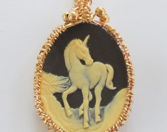 Woven Gold Filled Wire around a Resin Horse Cameo Pendant