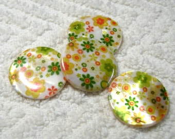 Shell Beads - Flat Round Flower/Multi-Colored  - Shell Disc Beads - (25mm x 4mm) - (4 Pcs) - B-1603