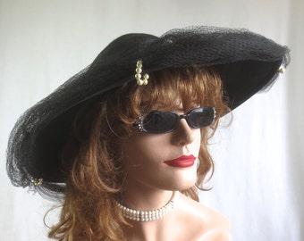 """Lovely Vintage 1940's-1950's """"Replica De Parisienne"""" Picture Hat w/Original Veil-Woven Black Straw"""