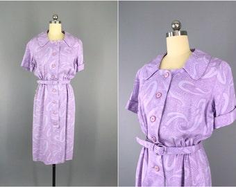 Vintage 1950s Dress / 50s Day Dress / 1950 Nelly Don / Lavender Purple Paisley Print / Size medium