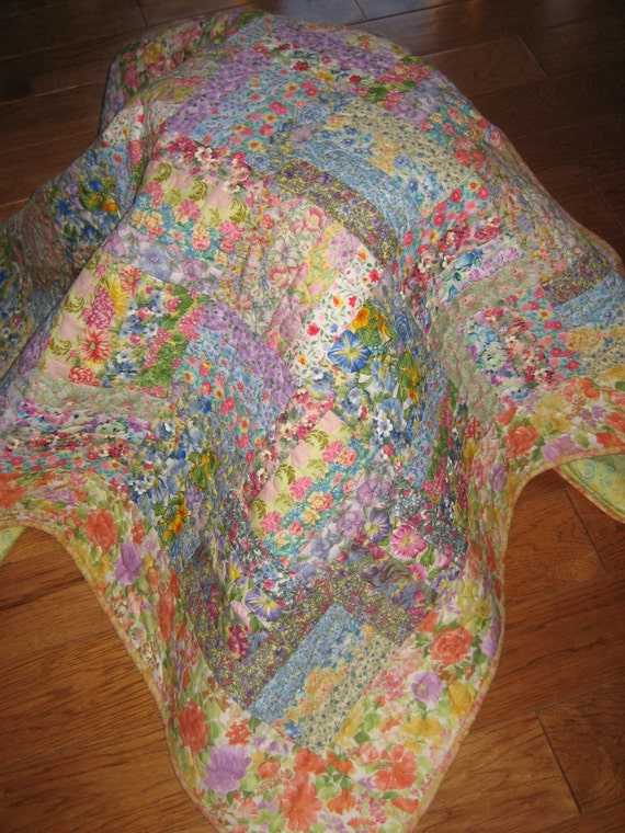Lap Quilt, Shabby Chic Cottage Charm Handmade Quilt
