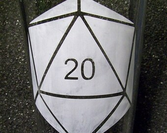 D20 die dice etched pint glass tumbler