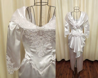 Vintage 80s 90s Extra Small White Beaded Lace Long Sleeve Wedding Dress with Rose Floral Details