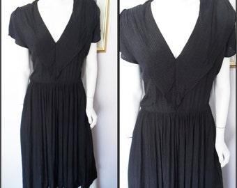 Vtg.80s does 40s Style Black Viscose Ruffle Neckline Dress.M/L.Bust 40.Waist 24-32.