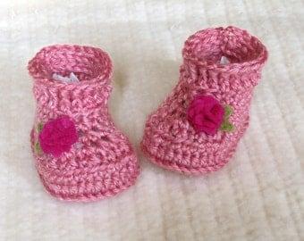Crochet baby booties, pink baby booties, 3 to 6 months, baby girl booties, pink baby boots