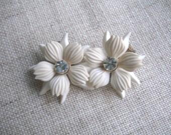 Vintage Soft Plastic and Rhinestone Flower Earrings ~ White ~ Clip On