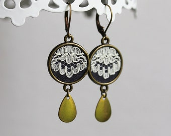 Ivory Lace Earrings, Lace Dangle Earrings, Gray Drop Earrings, Ivory Lace Jewelry,  Brass, Unique Bridesmaid Earrings, Wedding Earrings