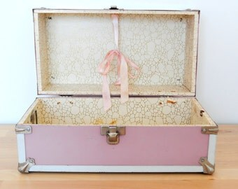 Vintage dusty pink doll trunk with handle toolbox/treasure box ribbon ties