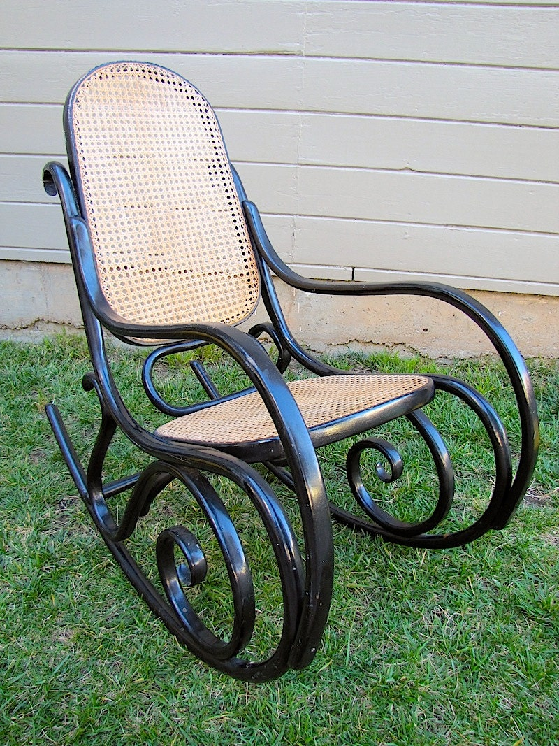 Bentwood rocking chair thonet presumed bent wood cane for Furniture made in poland