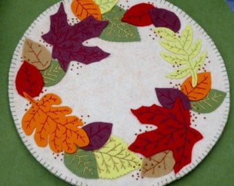 Candlemat, centerpiece, autumn, leaves