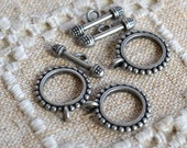 8pcs Clasp Antiqued Silver Pewter Toggle 18mm Round Fancy Design Bar And Ring