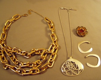 Lot Vintage Kenneth Cole NY 3 Strand Matte Gold Rhinestone Necklace Pendant Earrings & Pin 7978