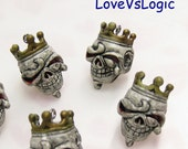 4 Creepy King Skull with Crown Plastic Charms