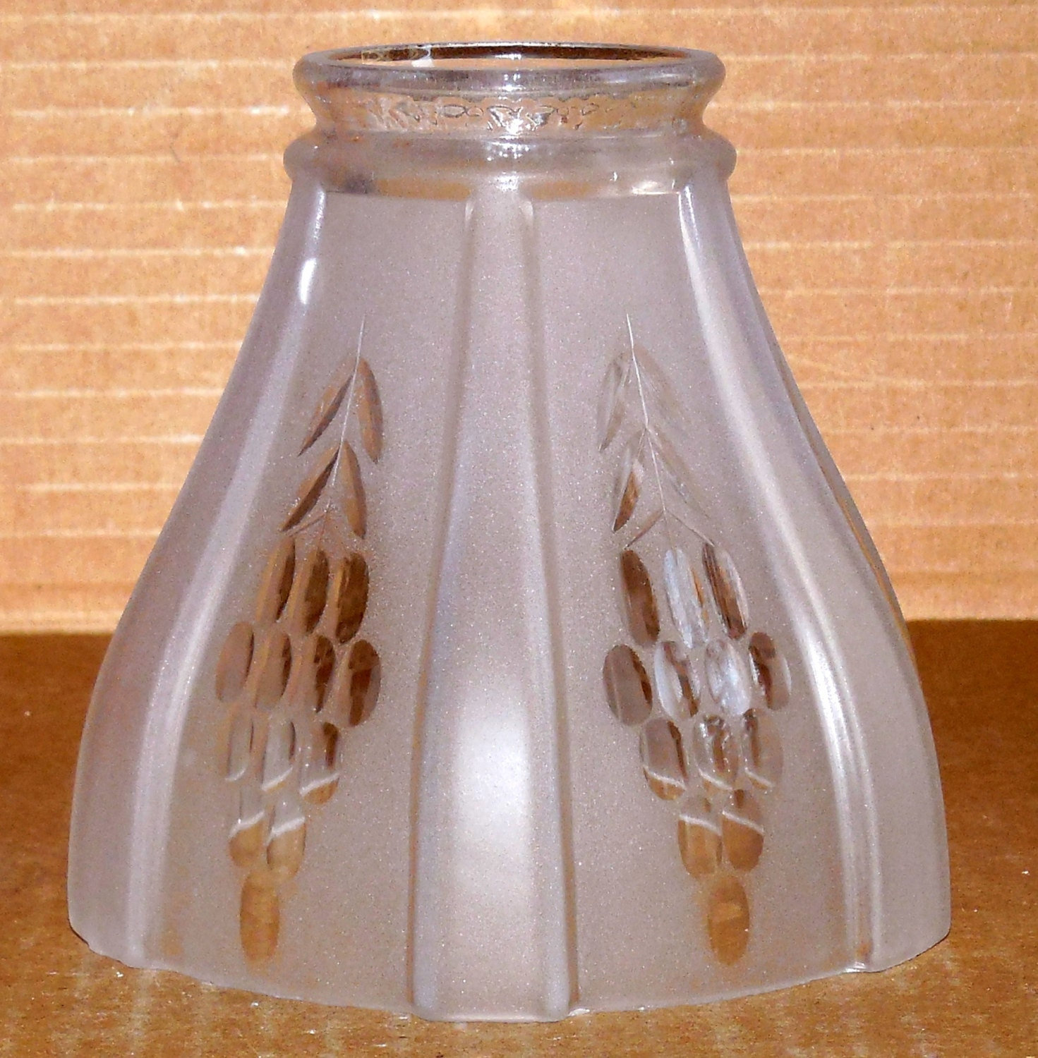 Vtg Art Deco Glass Lamp Shade Sconce by ednasvintagecloset on Etsy