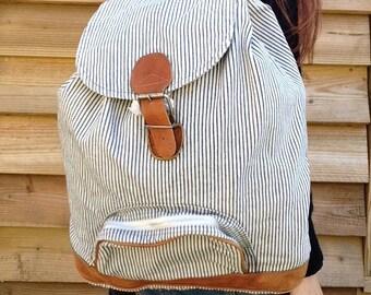 90s VTG huge navyblue white cotton stripes and natural leather Backpack / Rucksack