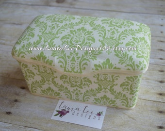 Sage Green Damask Nursery Baby Wipe Case, Diaper Wipes Case, Large Wipes Tub, Personalized Case, Nappy Wipes, Gender Neutral, Wipe Holder