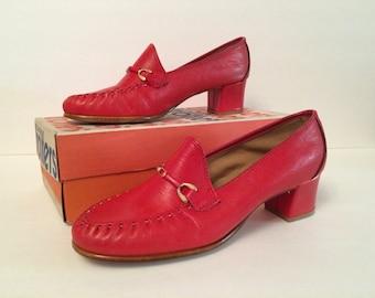 Vintage Oldmaine Trotters Rust Orange Buckle Pumps Shoes NOS