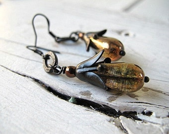 Black Flower Drops Teardrop Earring Czech Glass Pears Bohemian Dangles Alstroemeria Lily Black Brass Golden Bronze Gothic Style Vintage Vibe