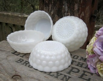 Set of 4 Bubble Berry Bowls - Anchor Hocking Glass Company - Oak Hill Vintage
