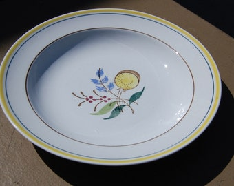 Vintage Arabia of Finland Windflower pattern shallow bowl. Perfect condition, hand painted made in Finland.
