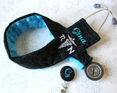 Embroidered Stethoscope Cover and Badge Reel Gift Pack - RN - Black Scroll with Teal Name and RN Symbol