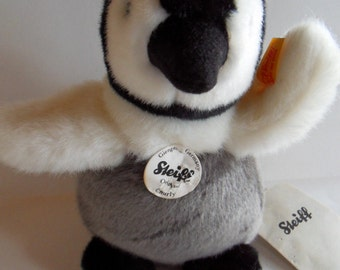 Steiff penguin, with all ID's, made in Germany 135