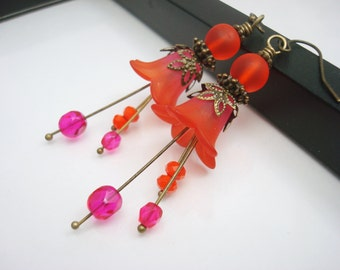 Red and Pink Lucite Flower Earrings, Vintage Inspired with Antique Brass Accents, Red Orange Flower Earrings, Handmade Flower Earrings