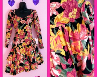 Vintage 1980s Long Sleeved Floral Rara Ruffled Party Prom Dress