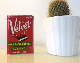 Red Velvet Pipe Tobacco Pocket Tin Perfect Condition