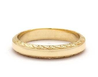 Vintage Scrolls Wedding Ring in Yellow Gold