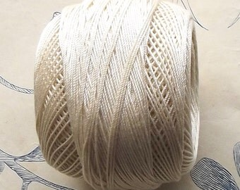 Vintage French DMC cotton crochet yarn fil d'ecosse scottish ivory thread