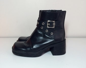 90s size 6 black leather grommet cross strap platform boots