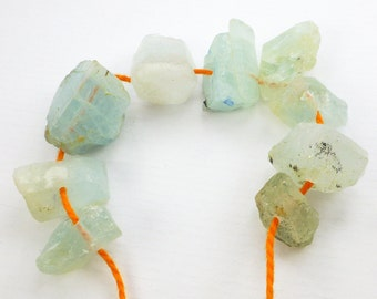 AQUAMARINE BeadS. Natural. Rough Crystals. DRiLLED. Gorgeous Color. 107 cts. 7x12 to 12x16mm (Em2022)