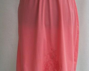 Vintage 60's Half Slip in Coral Nylon Lace Appliques Chiffon Trim Size M / Medium