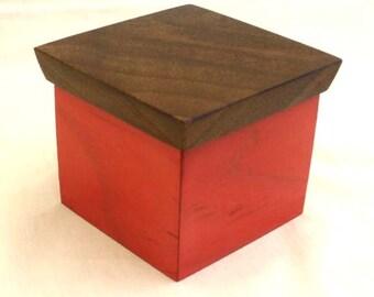 Decorative mini display box