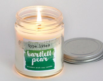 bartlett pear type.lites signature wooden wick soy candle