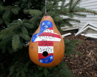 Driedpear shaped gourd birdhouse.