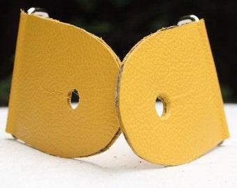 "2"" Mustard Yellow Guitar Strap Kit - Leather Ends - Nickel slider"
