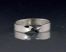 Mobius ring, endless ribbon mobius ring, silver mobius ring, unisex wedding ring
