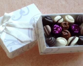 Dollshouse 1/12th handmade recangular box chocolates