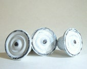 Vintage Metal Drawer Knobs/Shabby Chic White/Bullseye